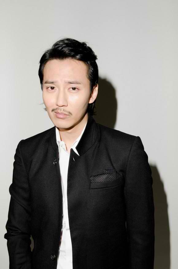 Kim Nam Gil (Red and Black) interview by Kstyle newsNamgil,  Suits Of Clothing