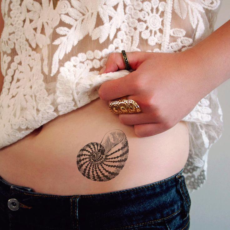 1000 images about tatoeages op pinterest schelpen mandalatatoeage en kwallen tattoo. Black Bedroom Furniture Sets. Home Design Ideas