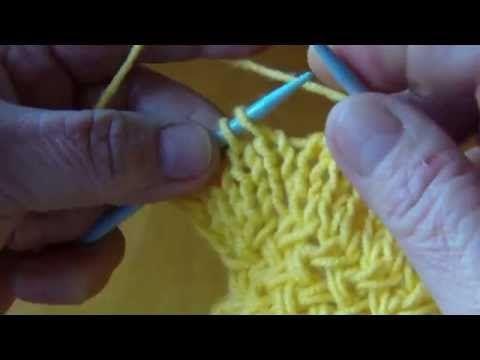 Piekny wzor krzyzowy na drutach. - YouTube