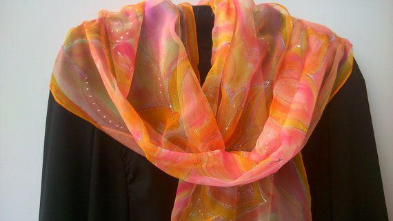 Corallo e Orange Chiffon sciarpa per le signore.  di SilkLetters