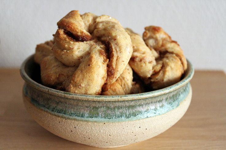 Low-fat coarse cinnamon twirls  http://froekenfoodie.dk/low-fat-coarse-cinnamon-twirls/