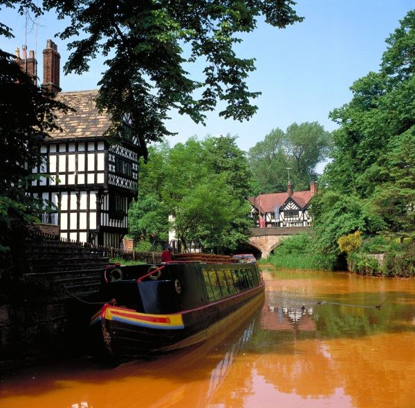 The birthplace of the British canal system - Bridgewater Canal, 'The Packet House' Worsley, Greater Manchester, England.