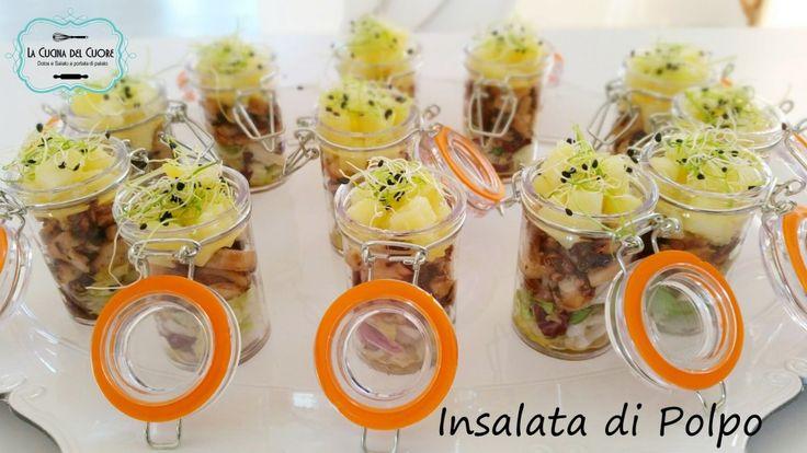 L'insalata di polpo è un must come contorno, tutto l'anno. Servita in bicchierini monoporzione è un elegante finger food.