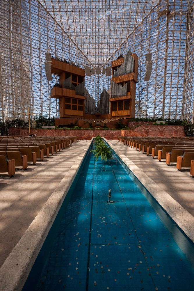 AD Classics: The Crystal Cathedral,© Flickr user siphorous