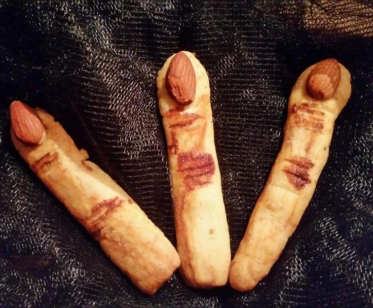 Rezept Halloween Hexenfinger von Küchenmuckeline - Rezept der Kategorie Backen süß