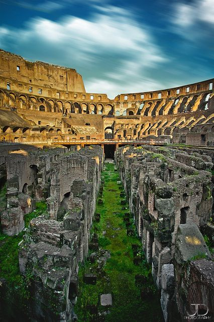 The ruins at the Colleseum Colisée - Rome, Italy