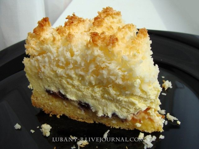 Творожный пирог с кокосовой посыпкой