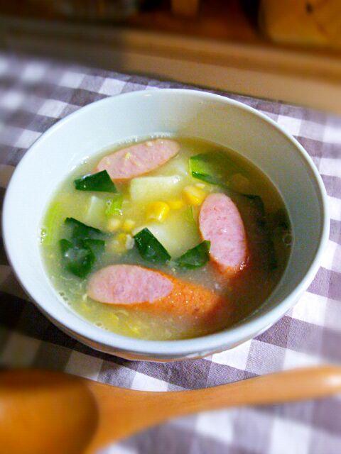コーンクリームに白だしで味付けしたスープです。美味しい♡ - 20件のもぐもぐ - じゃがいもと小松菜のコーンクリームスープ by Sachiyo Tanaka
