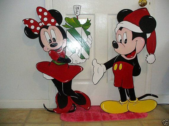 26 best holiday decor images on pinterest christmas yard for Decoration noel mickey