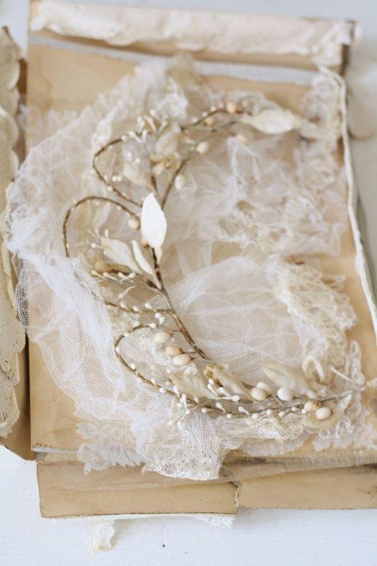 Bruidskroon en sluier