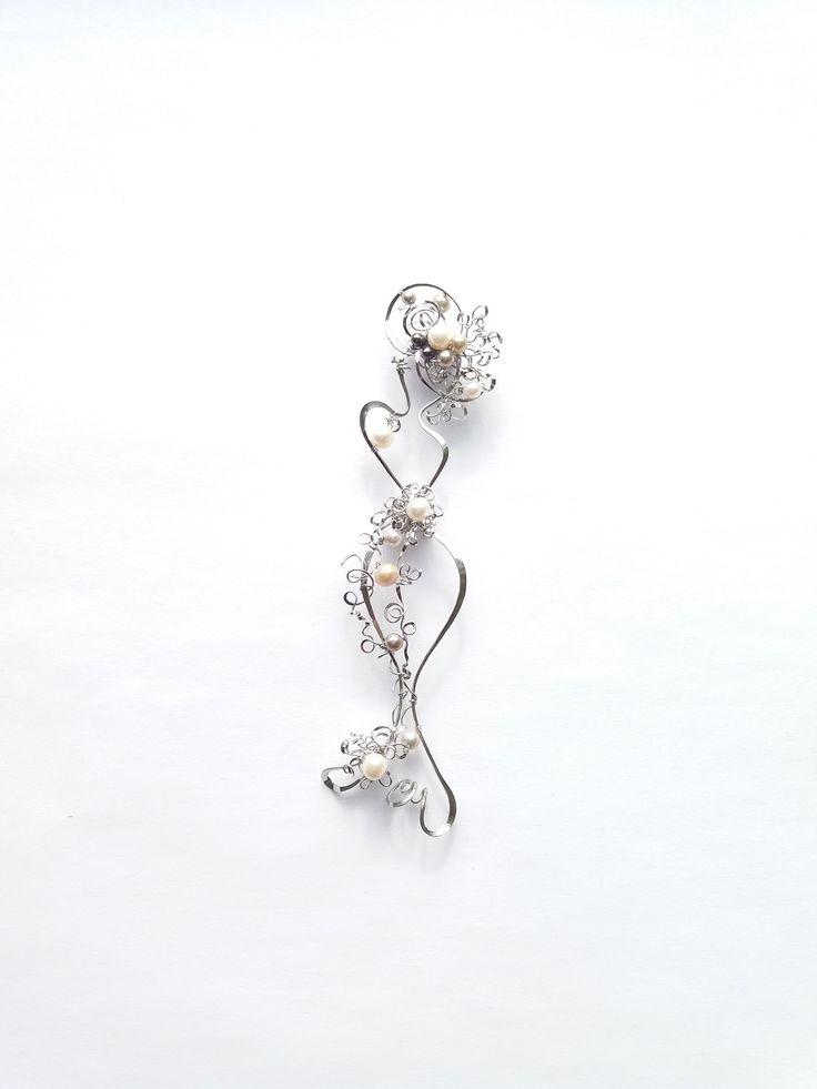"""Brož+B78+""""Andělská""""+2v1+kolekce""""Mademoiselle""""perly+Autorský+šperk.Originál,+který+existuje+pouze+vjednom+jediném+exempláři+z+kolekce+""""Mademoiselle"""".Vyniká+kouzelným+prostorovým+tvarem,+precizním+provedením+čistých+linií,+množstvím+propracovaných+detailů,+harmonickým+sladěním+výběrových+perel+a+elegantním+nadčasovým+výrazem.Zaujme+jedinečným+dojmem+na..."""