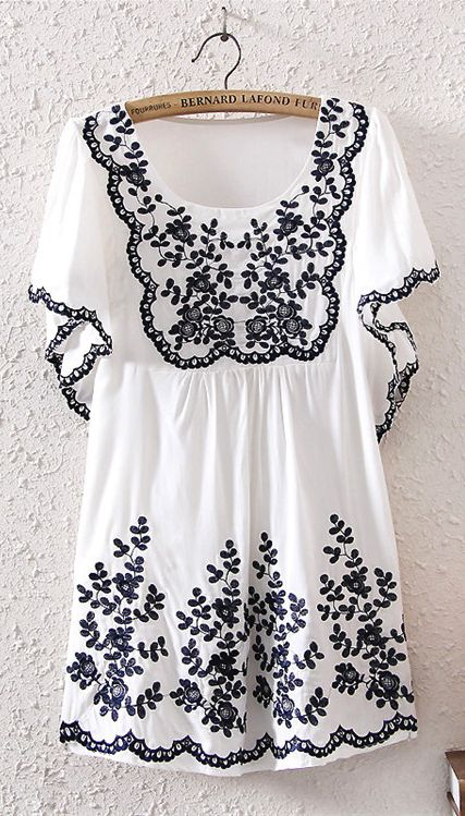 Emboridery Floral Cotton Short Sleeve Top