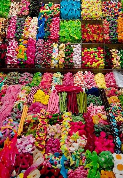 Licorice, gum balls, jaw breakers and taffy.....oh my!!