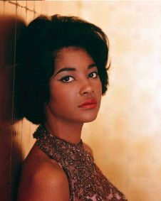 Nancy Wilson--a singularly beautiful singer, in many ways.