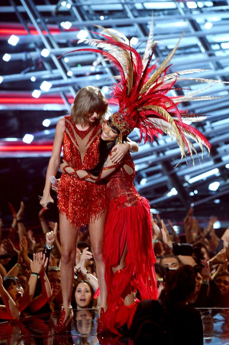 Taylor and Nicki Minaj performed together during the 2015 MTV Video Music Awards 8.30.15