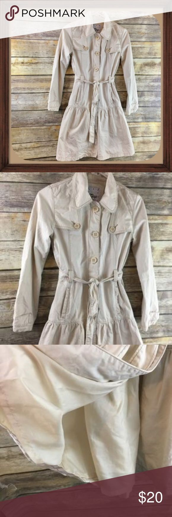 Gap Khaki Girls Trench Coat Size 12 EUC Khaki girls trench coat. Size 12. In excellent used condition. 35 inches long. 22 inch sleeves. 16 inches arm pit to arm pit. Pockets on sides. GAP Jackets & Coats