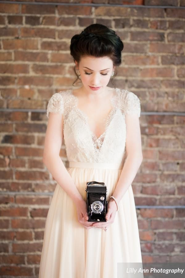 Our Merelle Dress. Photography by Lilly Ann Photography #bride #bridal #wedding #vintage #photoshoot #ellebay #dress