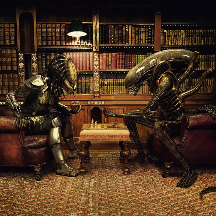 alien humor Humor Alien Vs Predator Playing Chess. This is awesome, library, chess, Alien, Predator, good architecture, snifter of brandy ...who looked inside my head for this.