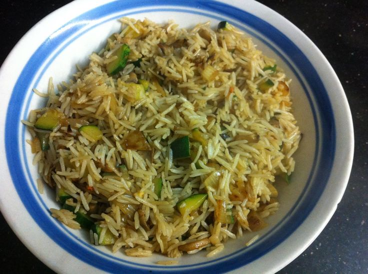 Steamed rice combined with onion, zucchini and mushrooms pan fried then cooked in a little vegetable stock!
