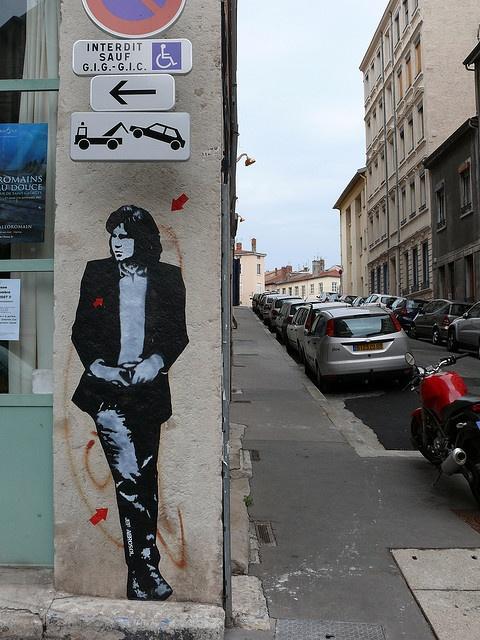 :o Nick Drake + Street Art = I can't...