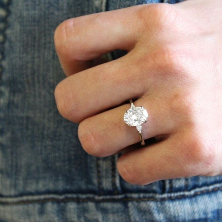 Oval engagement ring simple #weddingring
