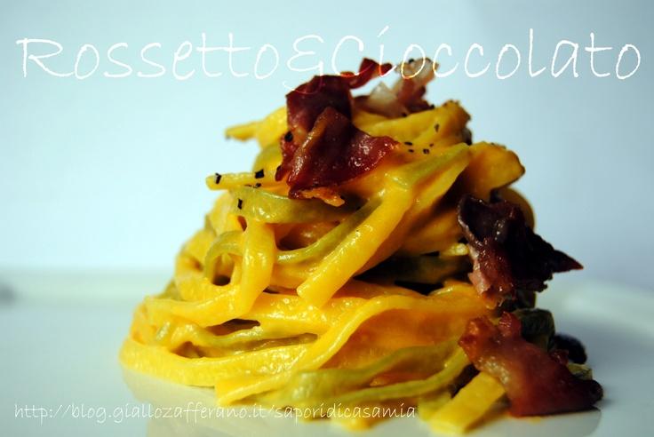 PAPPARDELLE PAGLIA E FIENO CON ZUCCA E BACON  http://blog.giallozafferano.it/saporidicasamia/pappardelle-paglia-e-fieno-con-zucca-e-bacon/