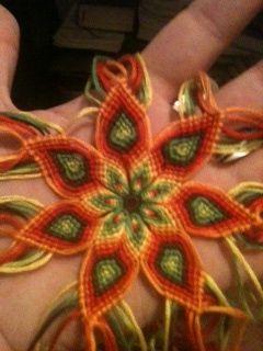Tutorial - Mandalas flower - friendship-bracelets.net
