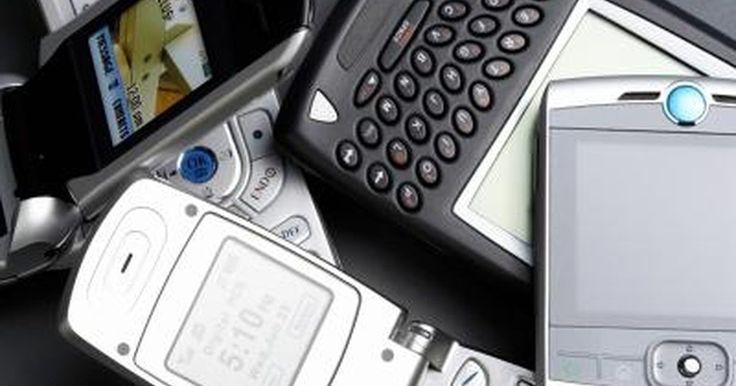 Cómo localizar mi teléfono celular perdido. Perder tu teléfono móvil o celular puede ser una experiencia difícil, particularmente si tienes un teléfono inteligente o un iPhone que contiene todos los números telefónicos, tu música y otros datos. Una situación aún peor sería extraviar tu único teléfono. Estos pasos te ayudarán a recuperarlo.