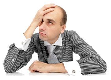 Haarausfall ist ein typisch männliches Problem und bislang sah es so aus, als hätte es im Job nur Nachteile. Denkste!     http://karrierebibel.de/rasieren-glatzkopf-hilft-bei-karriere-und-gehaltserhohung/