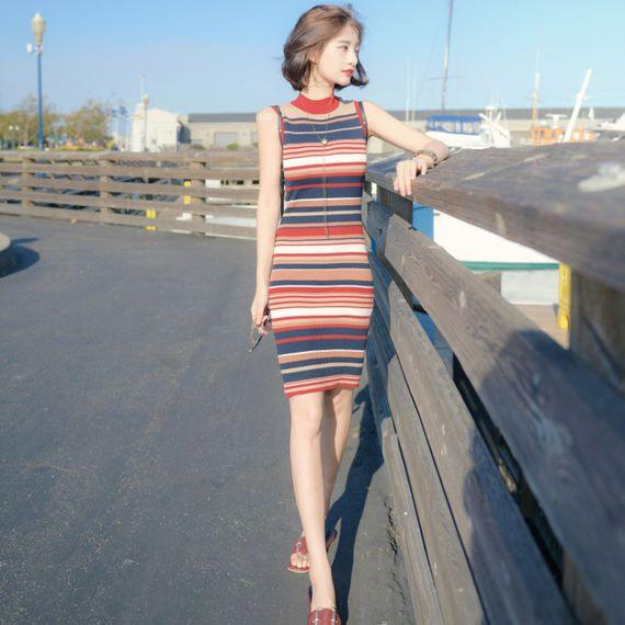 2017 여름 한국의 바람 줄무늬 니트 드레스의 긴 섹션 복고풍 복고풍 세련된 스커트 여성 슬림 버전 여름 새 스타일