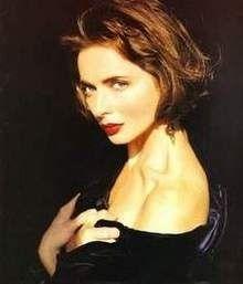 力強い瞳に印象的な美貌はイタリアの艶やかさも感じるイザベラ・ロッセリーニ☆