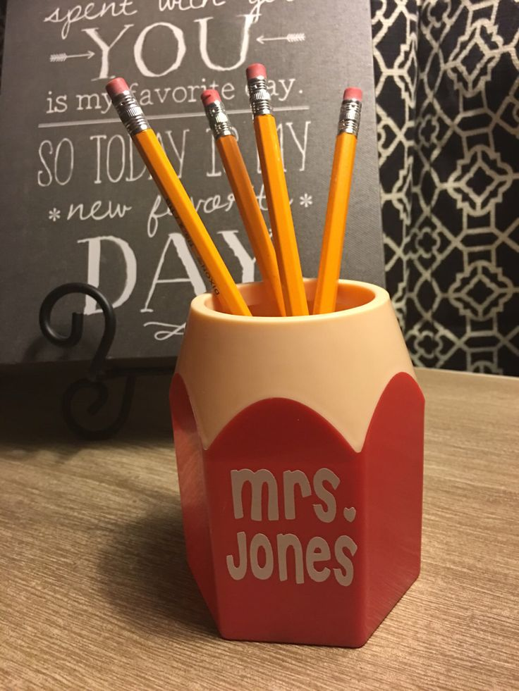 Personalized Pencil Holder - Teacher Gift - Teacher Appreciation Week - Pen Holder - Secretary Gift - Principle Gift - Back To School by PunkieDoodles on Etsy https://www.etsy.com/listing/291541911/personalized-pencil-holder-teacher-gift