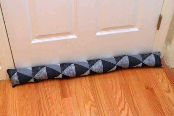 how to make a door draft stopper d i y furniture pinterest draft. Black Bedroom Furniture Sets. Home Design Ideas