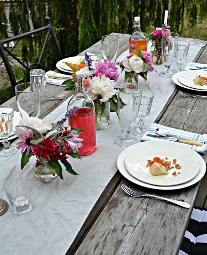 Alfresco Tablescape Ideas Simple Luxury For Summertime Dining Christmas Table Centerpieces Alfresco Thanksgiving Table Centerpiece
