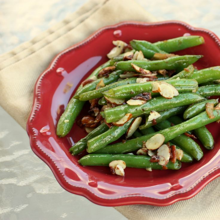 Green Beans with Bacon and Almonds - the-girl-who-ate-everything.com