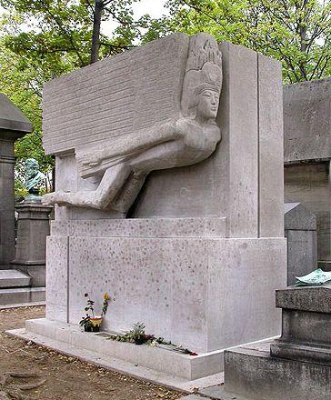 Túmulo do escritor Oscar Wilde (foto: Divulgação/Pere Lachaise)
