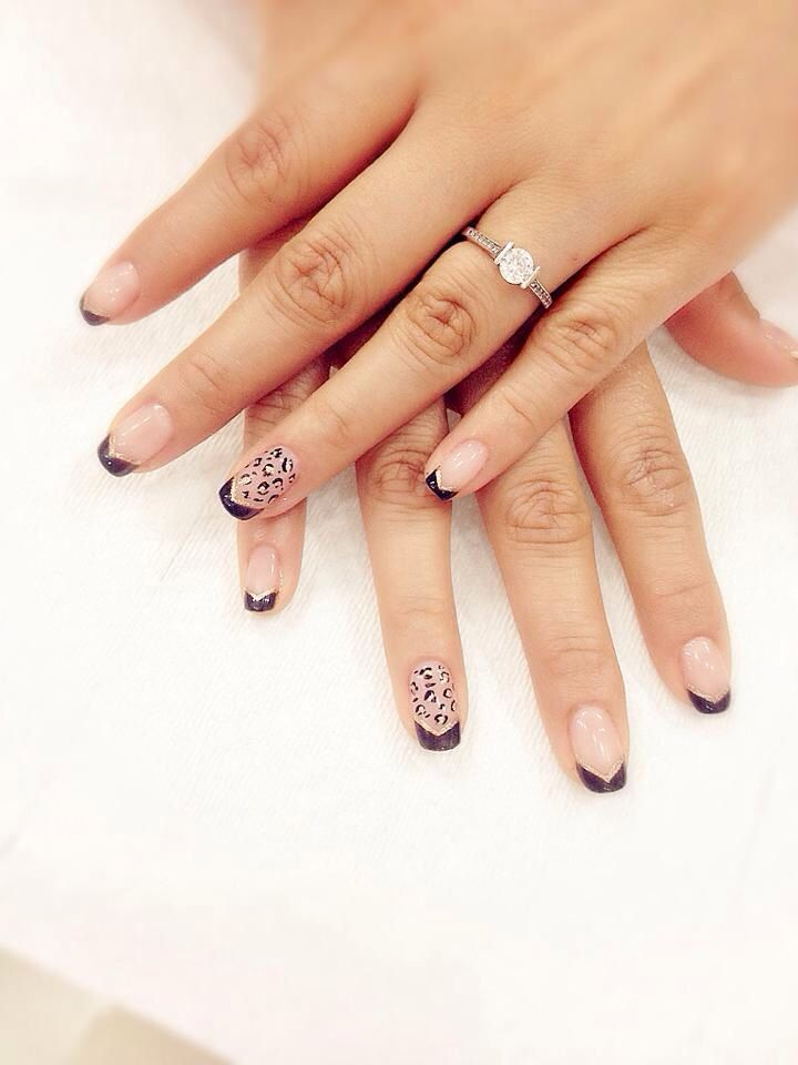 French nail art animal print golden