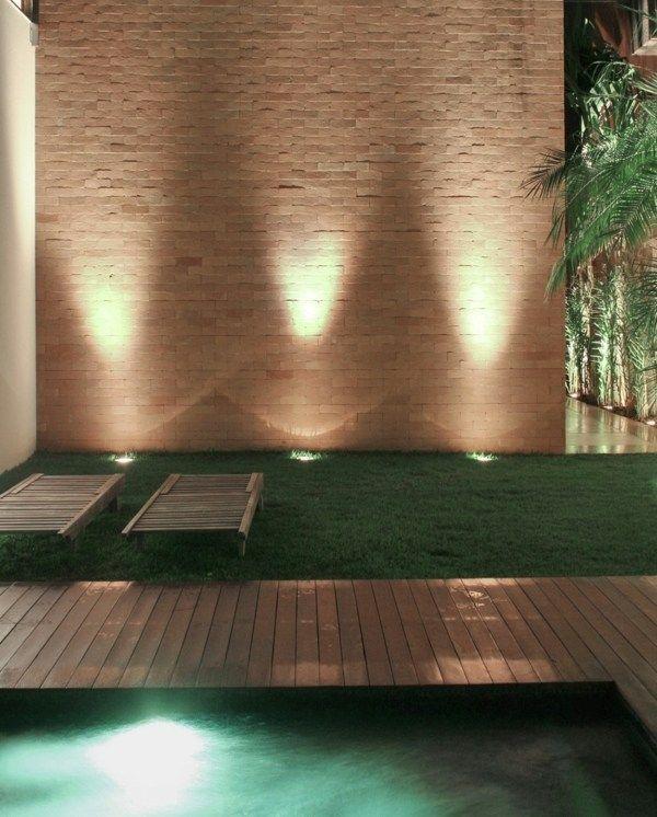 subtile Beleuchtung Garten Gestaltung Einbauleuchten