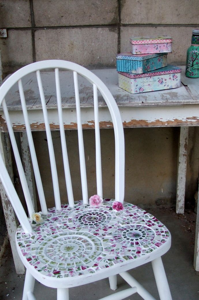Mosaic chair shabby chic mosaics shabby chic chair for Shabby chic wall tiles
