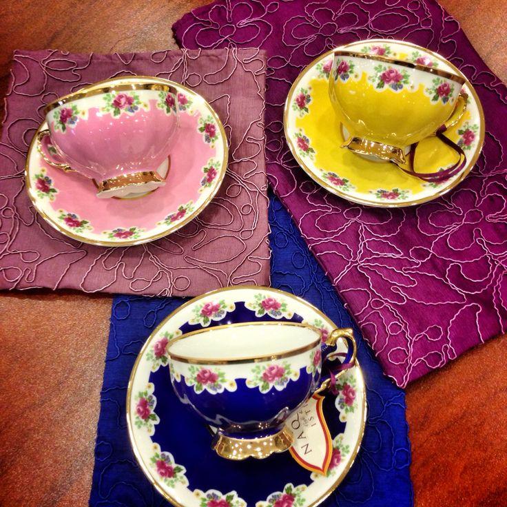 Saray model çay fincanlarımız 6 renkten oluşuyor.. Her ürünümüz tane ile satılıyor...