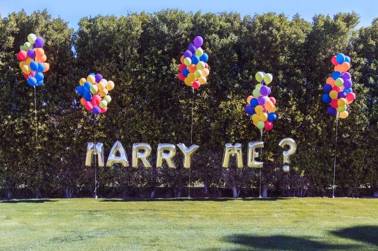 Art-lovers' surprise proposal with a little help from Gray Malin: http://www.stylemepretty.com/2016/02/12/a-surprise-proposal-with-a-little-help-from-gray-malin/