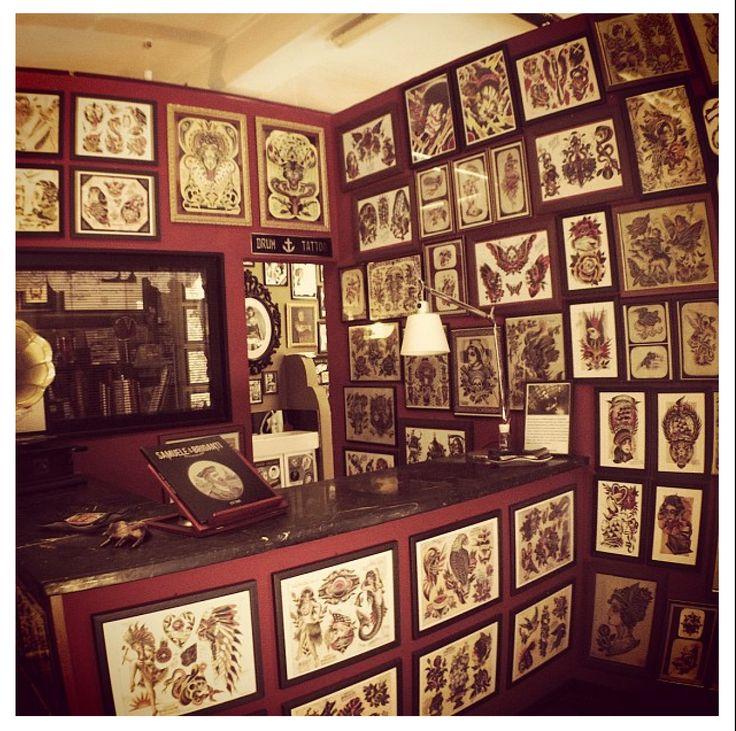 tattoo shop interior decor Samuele Briganti Tattoo shop