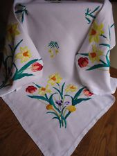 ELABORATE HAND EMBROIDERED LINEN TABLECLOTH STUNNING DAFFODILS TULIPS CROCUSES - $53.22