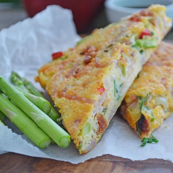 YouFoodz |Carb-less Pizza Omelette $9.95 | Packed with champagne ham, red capsicum, asparagus and flavours of sweet onion | #Youfoodz #HomeDelivery #YoullNeverEatFrozenAgain