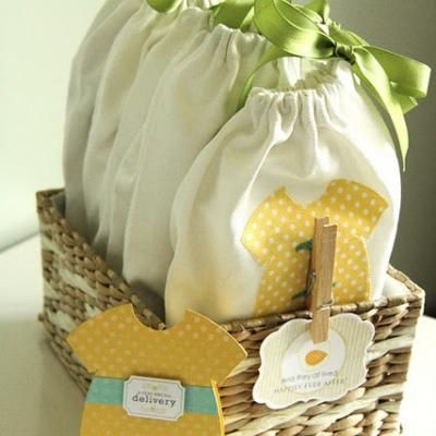 Basket of Baby To-Go Pouches {Tutorial}