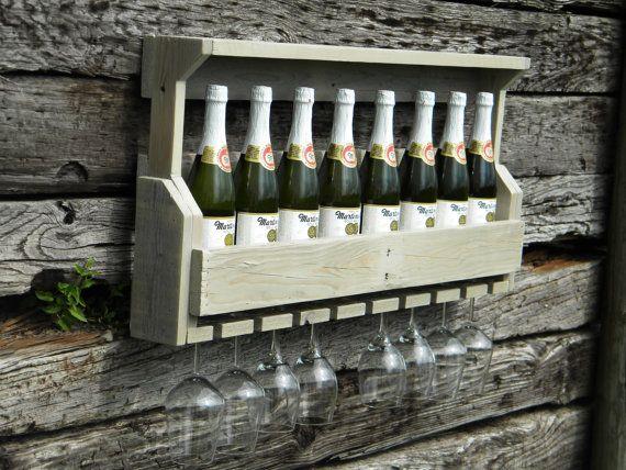 Vino Rack, unico vino Rack, rustico vino Rack, Cottage Home Decor, regalo di nozze, regalo di Natale, vino Rack, mobili, Pallet dipinti a parete