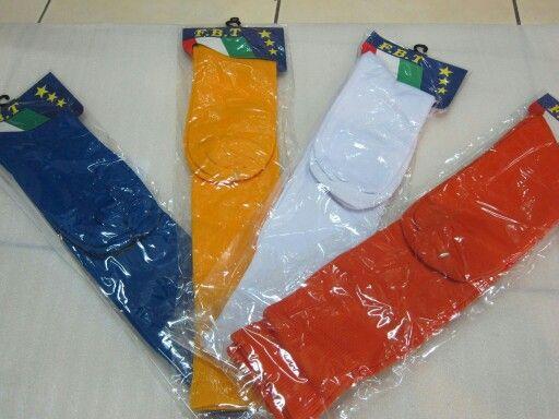 Kaos kaki nyaman dipakai untuk Bola Kaki aneka warna untuk Dewasa.  bisa untuk bonus penjualan atau promo logo usaha.  Fast Response WA.08161115220