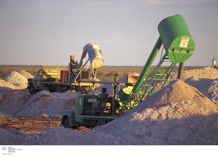 Opal Blowers in Coober Pedy.    Image Source: SA Tourism Commission.