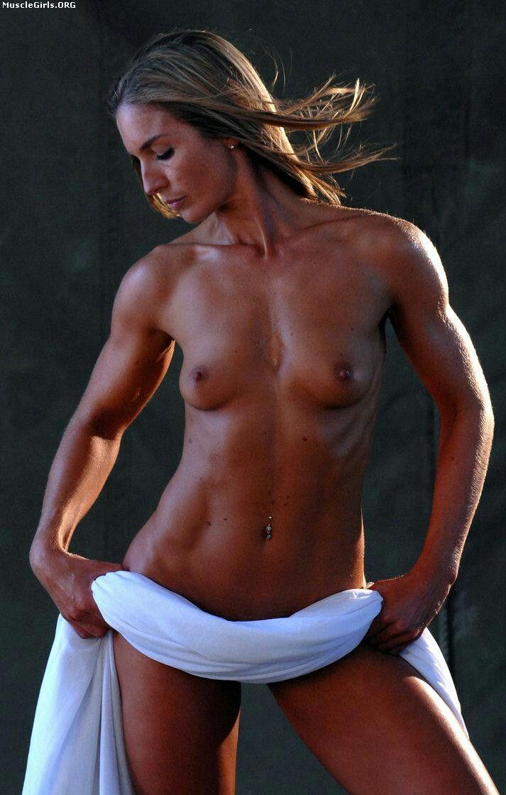 hardbody-naked-female-mendes-nude