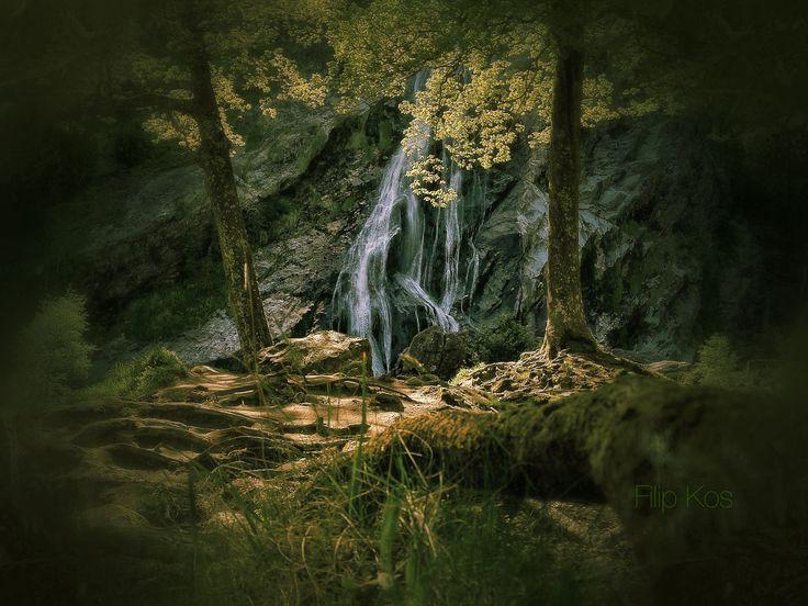 """Powerscout Waterfall"" – Wicklow Mountains, Ireland – Flip Kos"